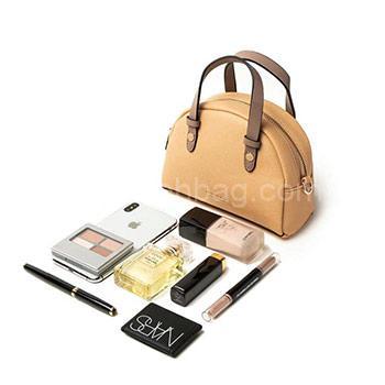 کیف لوازم آرایش - makeup bag